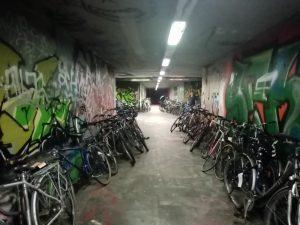 Lost Place - aber voller Räder